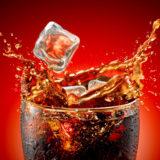 El mito de desatascar tuberías con Coca Cola