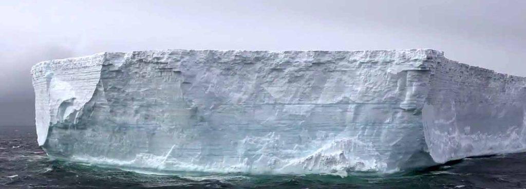 Una molécula de agua pasa 98 años en el océano,