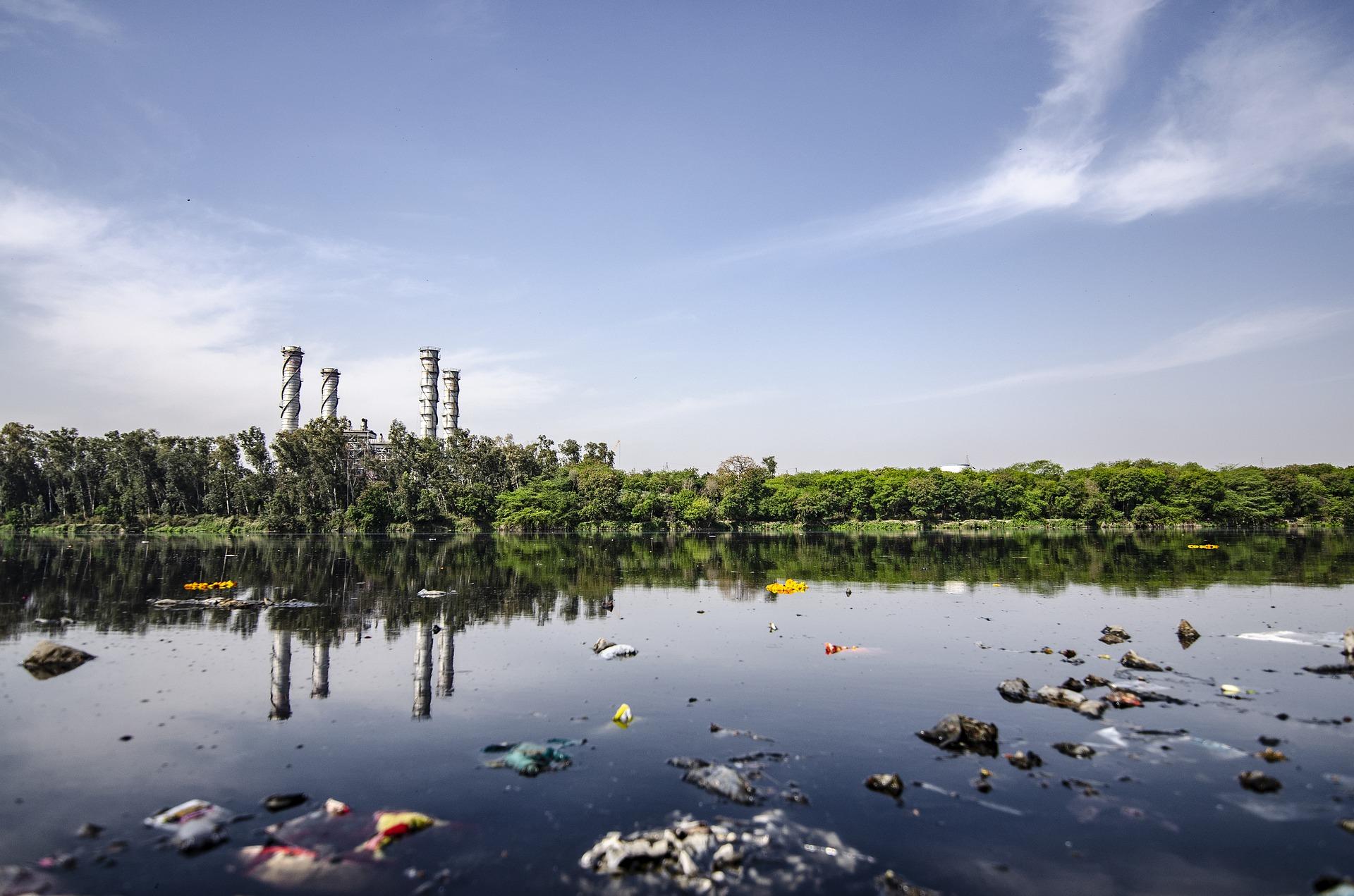Aguas residuales que contaminan los rios